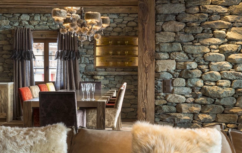 heinz-immobilier Luxueux appartement Verbier avec murs en pierre d'origine