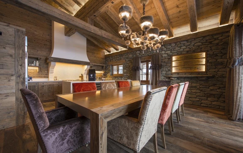 heinz-immobilier Luxueux appartement Verbier salle à manger pour 10 personnes
