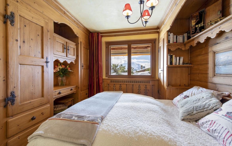 heinz-immobilier-magnifique-appartement-verbier-chambre-vue-alpes